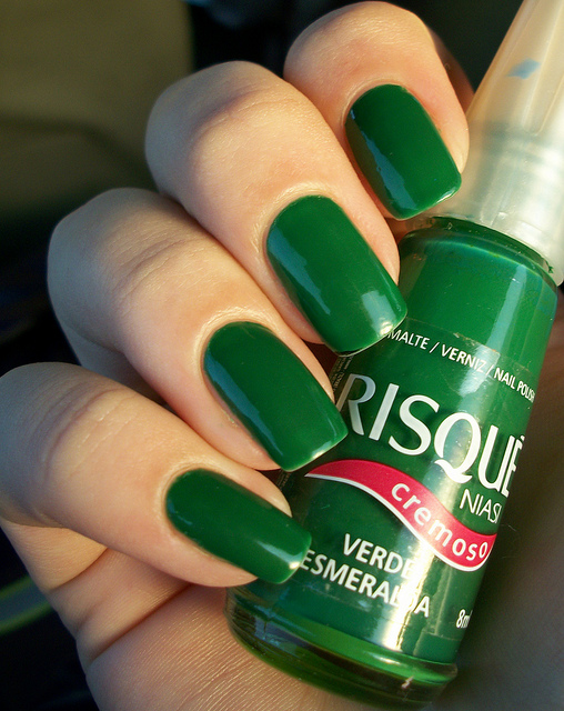 Verde Esmeralda, da Risqué. Foto do Flickr da Vi Kogikoski.
