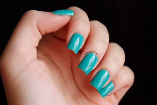 glow in the dark nail polish 1