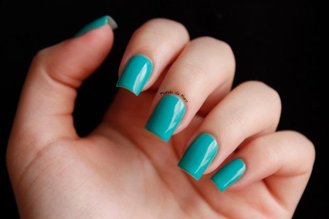 glow in the dark nail polish 2
