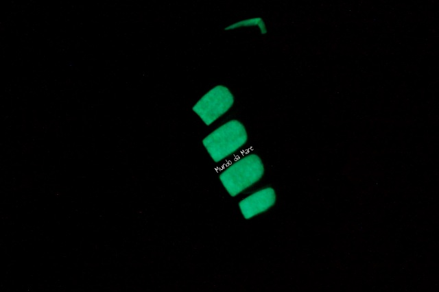 glow in the dark nail polish 3