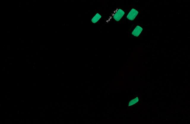 glow in the dark nail polish 4
